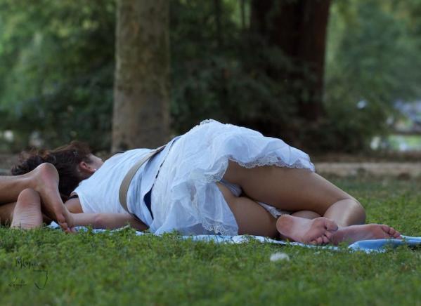寝転びパンチラ,エロ画像【17】