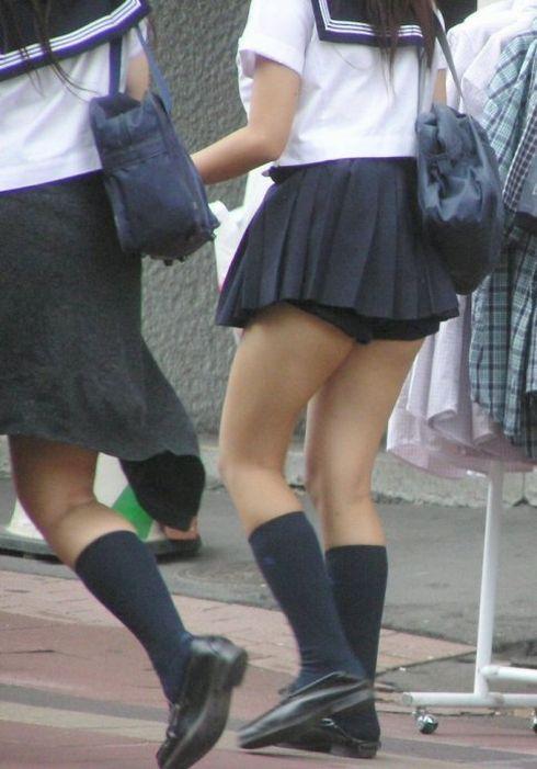 JK,おふざけ,女子高生,パンチラ,エロ画像【3】