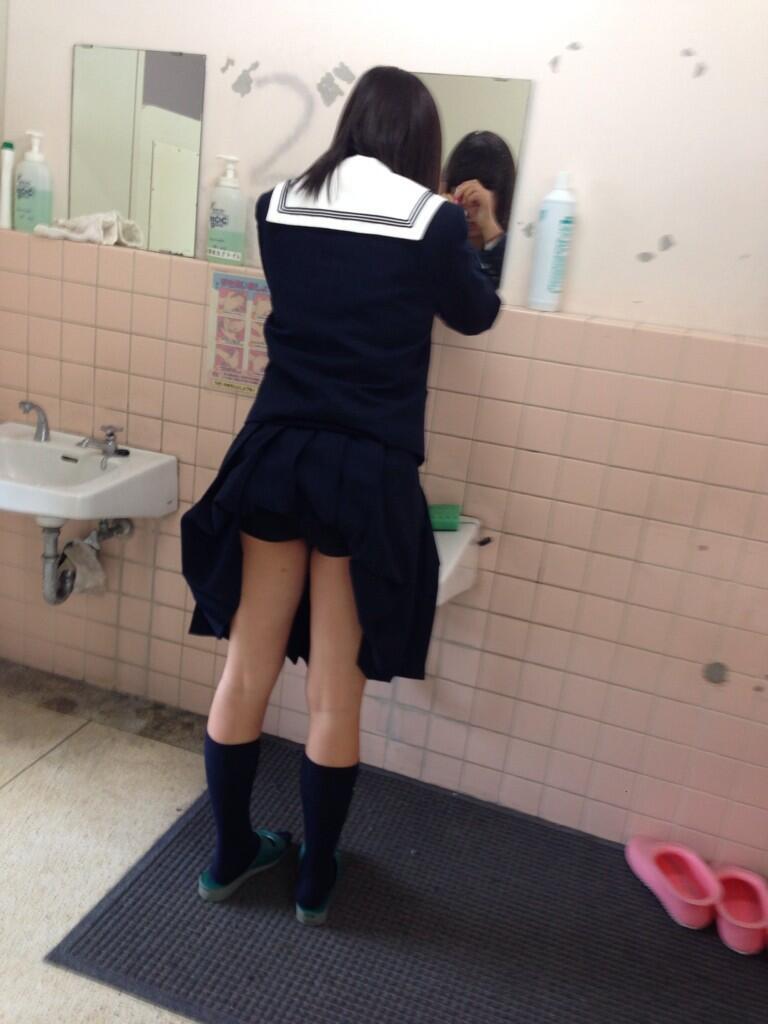 JK,おふざけ,女子高生,パンチラ,エロ画像【26】