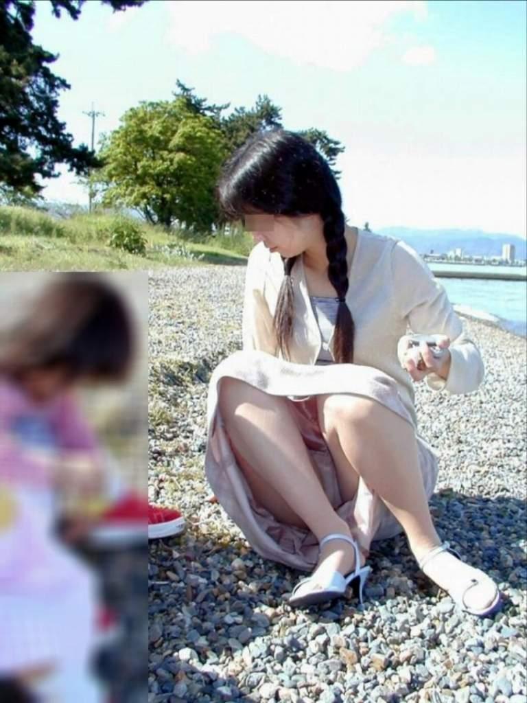 人妻,不倫,子連れ,ママ,パンチラ,エロ画像【40】