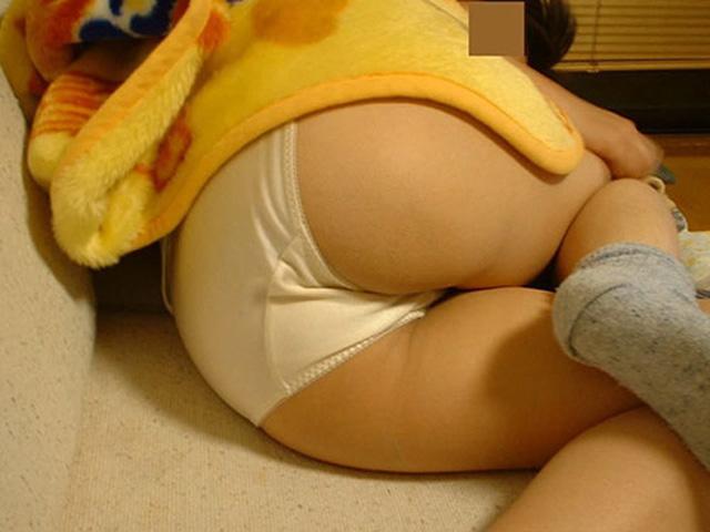 飾り気のない綿パンツはいた女子がなにかとそそるエ□画像(36枚)