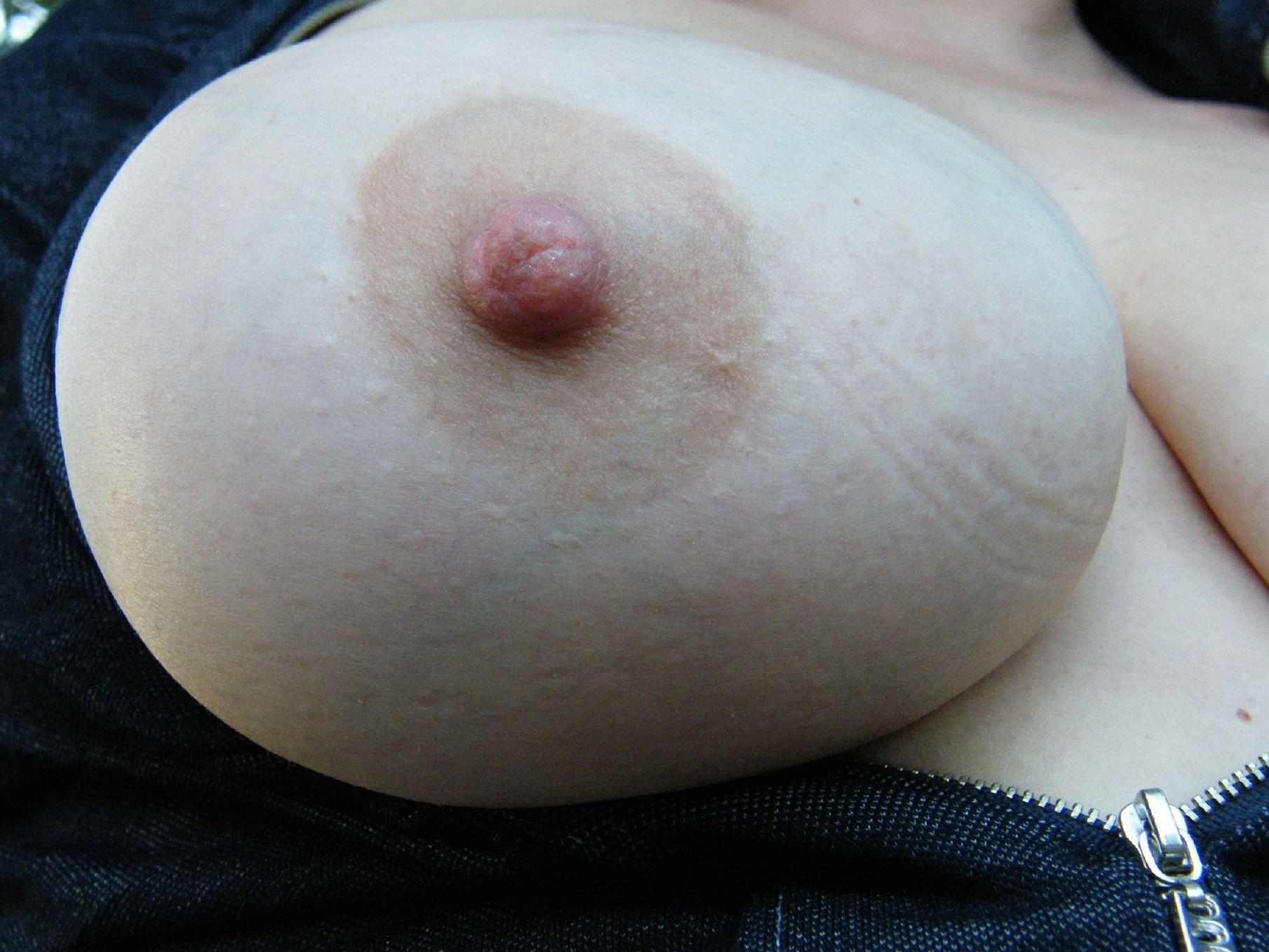 乳頭,アップ,シワ,接写,乳首,エロ画像【25】