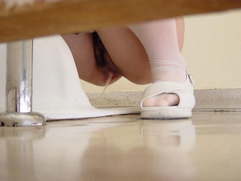 トイレ,休憩,働く女性,放尿,盗撮,エロ画像【15】