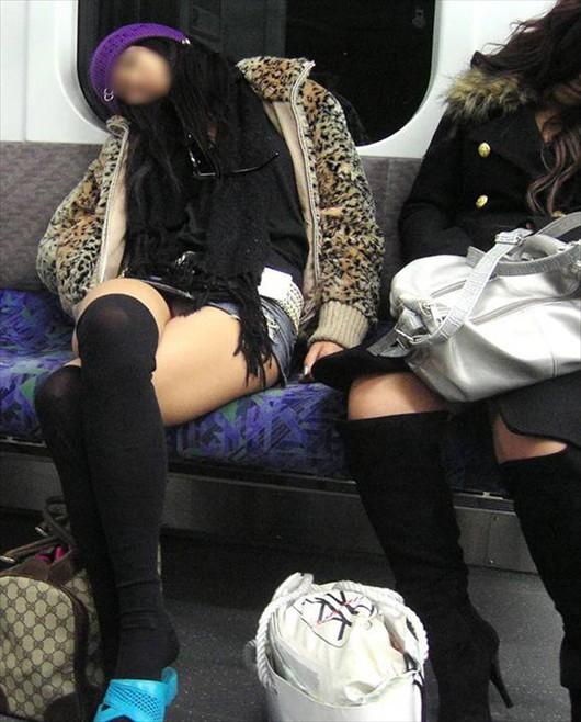 電車,精子,対面,パンチラ,エロ画像【26】