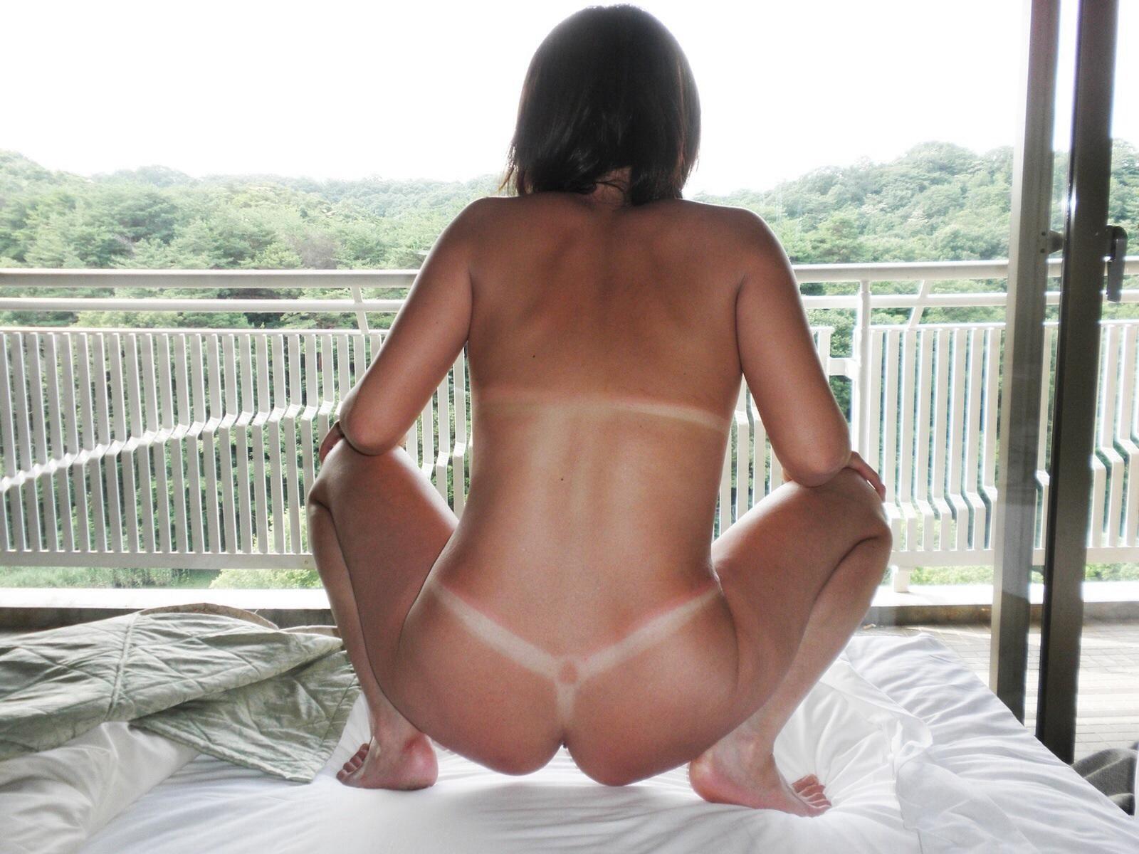 日焼け,背中,ビキニ,競泳水着,エロ画像
