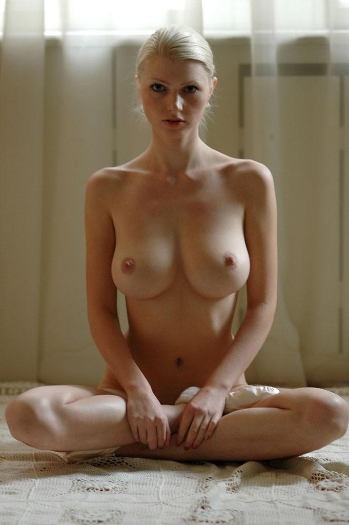 全裸,両足,あぐら,エロ画像,お父さん座り【19】