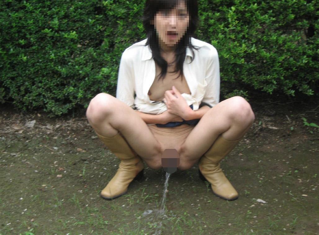 おしっこ,シャーッ,激しい,放尿,エロ画像【8】