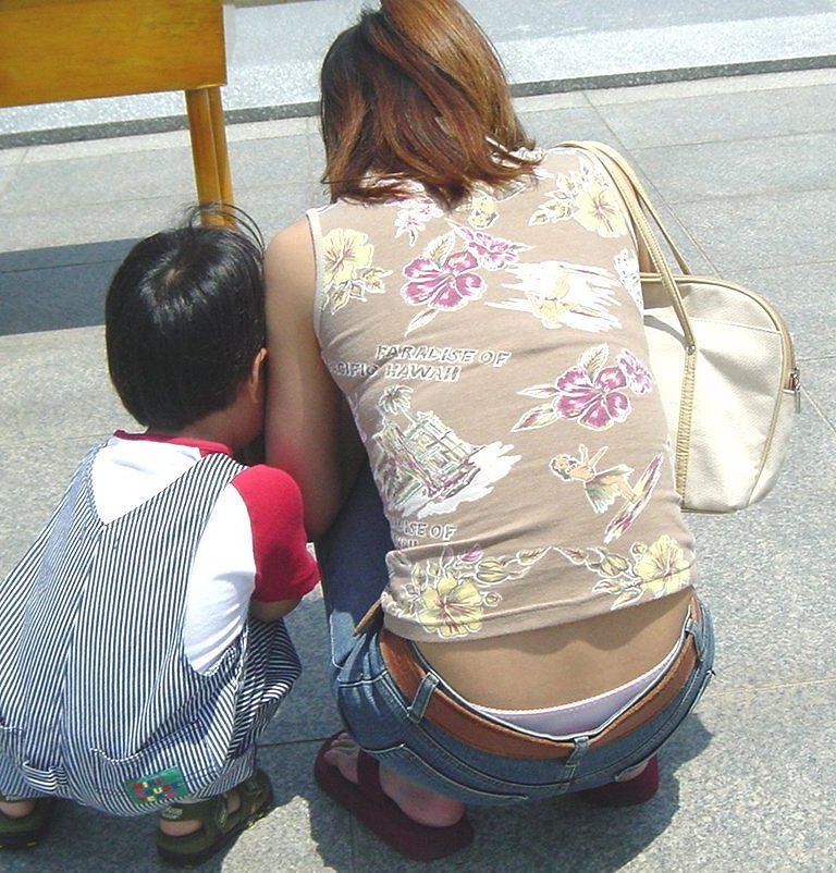 子ども,ママ,パンツ,ミセス,パンチラ,エロ画像【4】