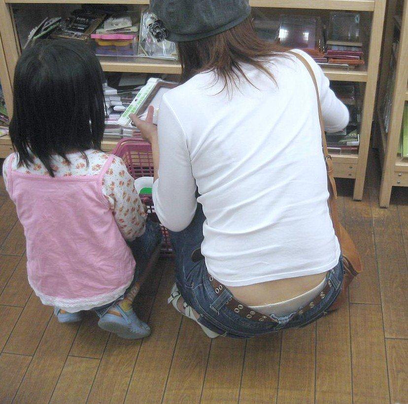 子ども,ママ,パンツ,ミセス,パンチラ,エロ画像【22】