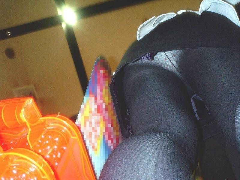 パチンコ,店員,パンツ,パチ屋,パンチラ,盗撮,エロ画像【14】