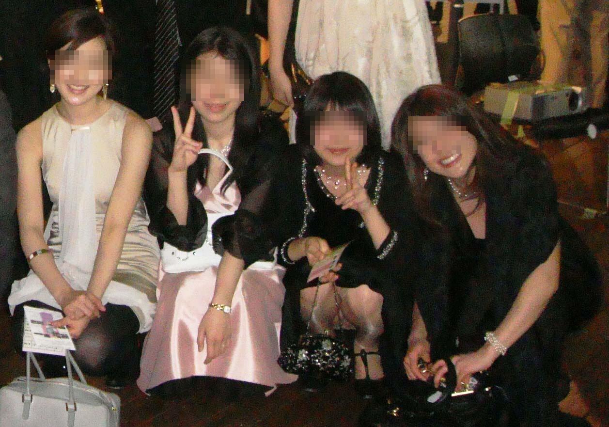 披露宴,結婚式,二次会,パーティー,ドレス,パンチラ,エロ画像【23】