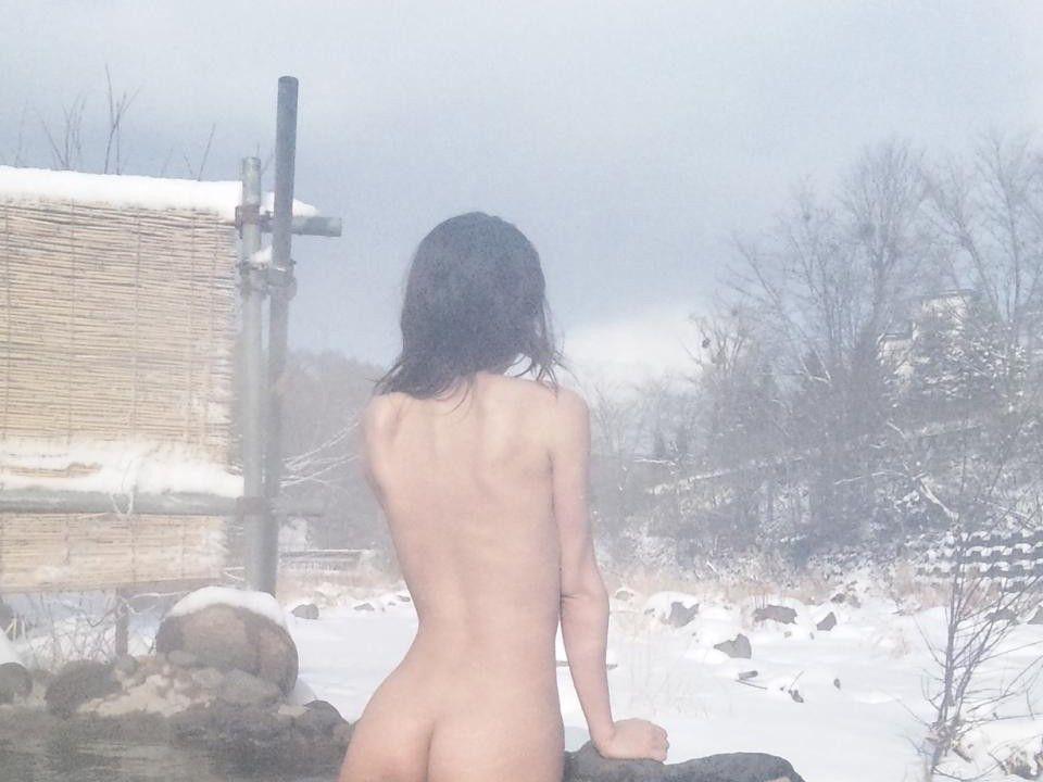 彼女 温泉 デート 流出 家族風呂 露天風呂 エロ画像【5】