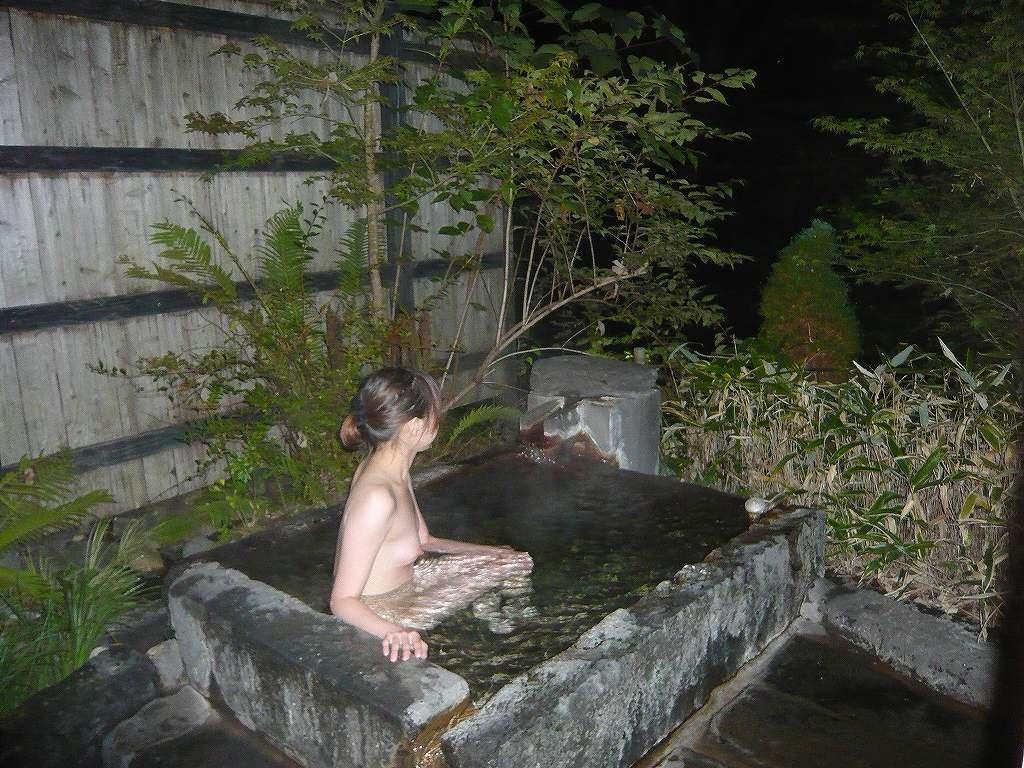 彼女,温泉,デート,流出,家族風呂,露天風呂,エロ画像【17】