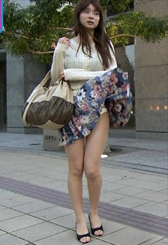 ラッキー,パンツ,風パンチラ,エロ画像【40】