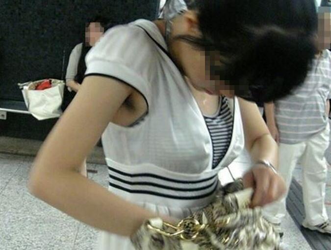 袖口,脇チラ,盗撮,腋,マニア,エロ画像,ワキ毛【27】