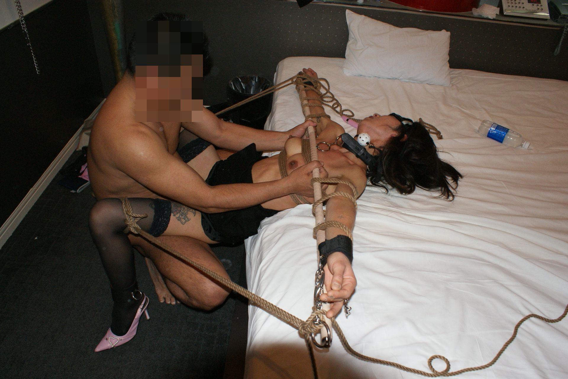 Bondage sex on the equus black label