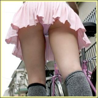 ムラムラくる極上むっちり太ももが堪らんレベルの脚フェチ画像www