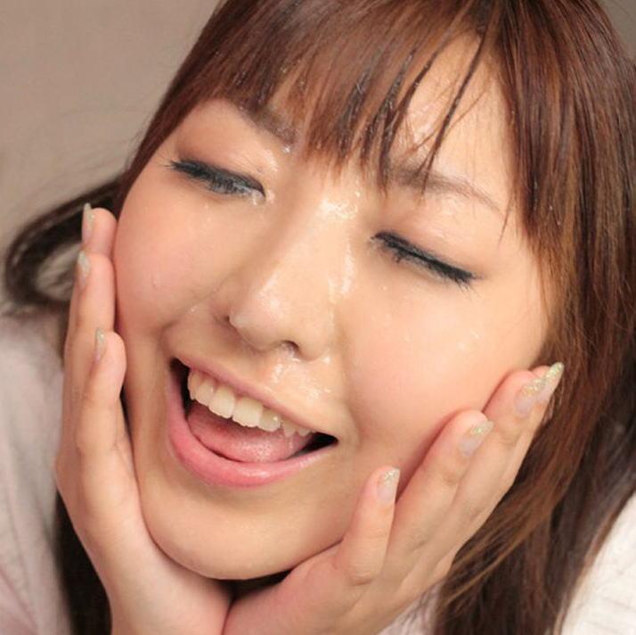 精子・愛!ザーメンぶっかけで幸せに浸る汚汁大好き女のエロ画像