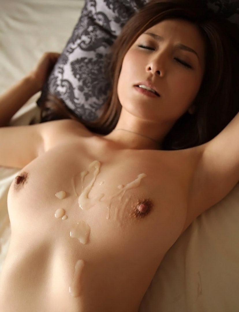【胸射画像】膣内射精もイイけど女のおっぱいに精子ぶっかけんのも視覚的にエロいよね【7】