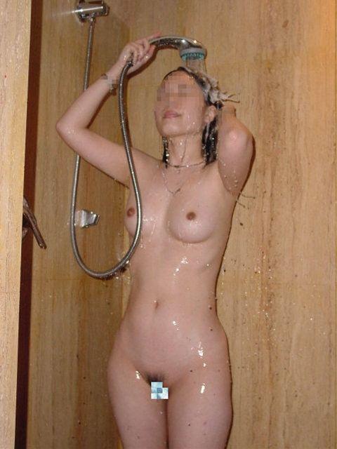 【洗顔洗髪エロ画像】入浴中の最も無防備な瞬間を盗撮!!!【6】