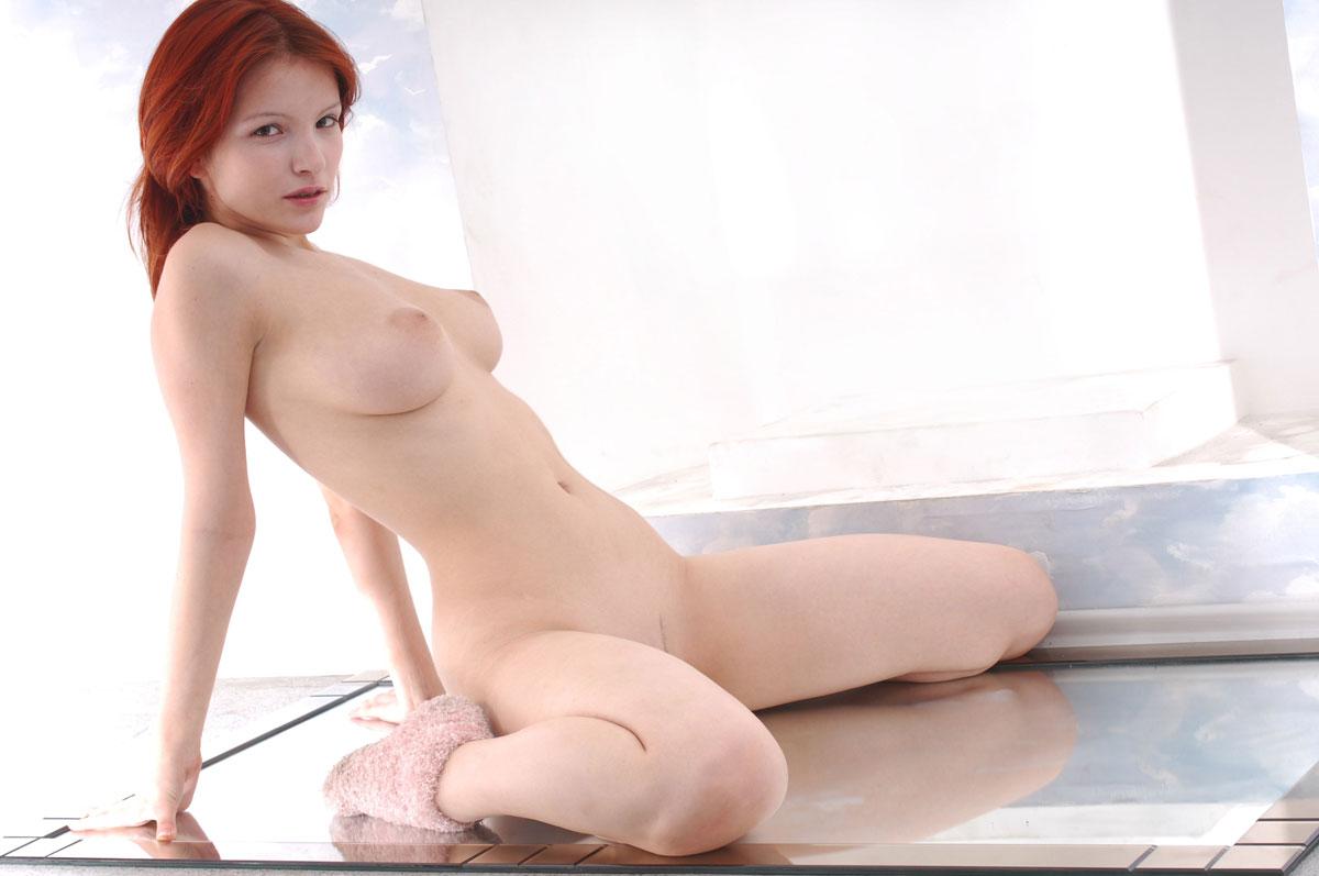 欧米人の長身美女ヌード