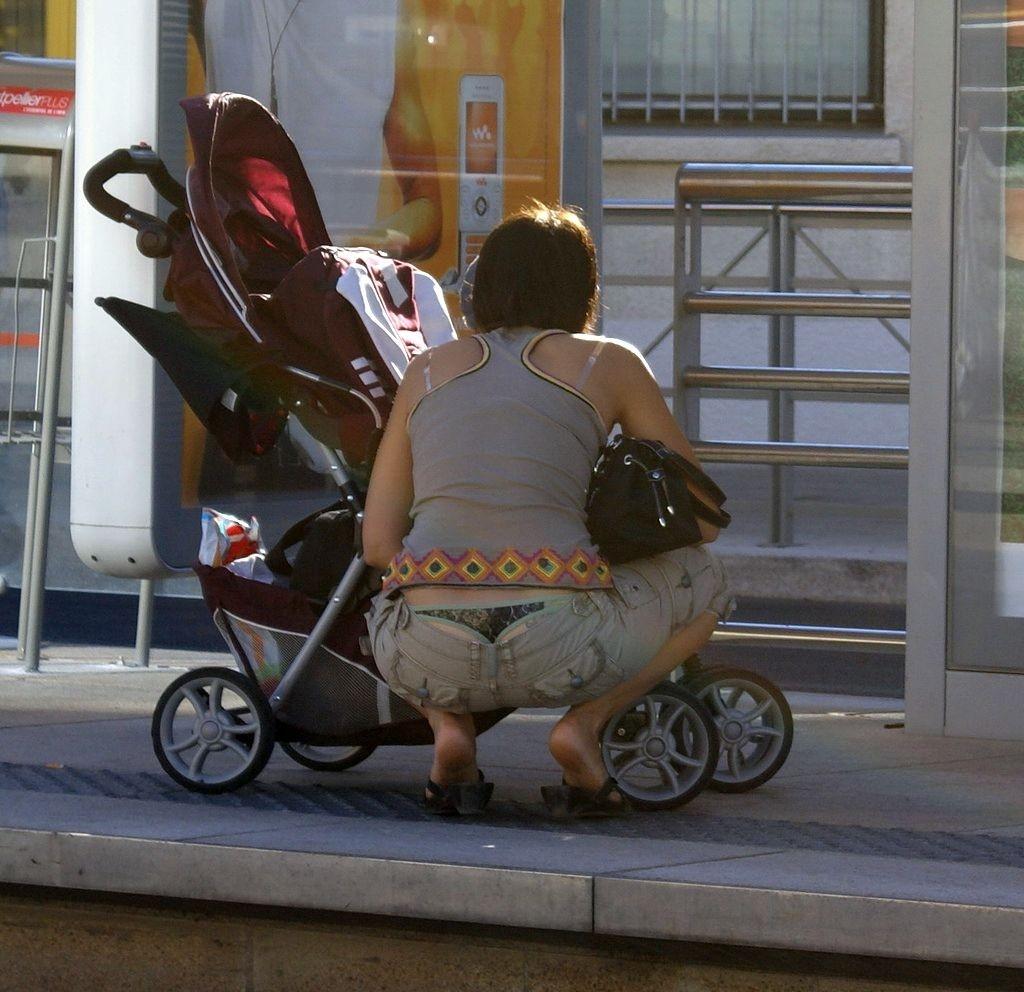 【ママのパンツ30枚】パンチラ画像に関しては子育て中の親が一番エロい【7】