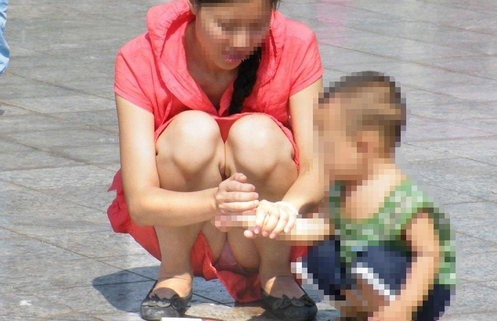 【ママのパンツ30枚】パンチラ画像に関しては子育て中の親が一番エロい【13】