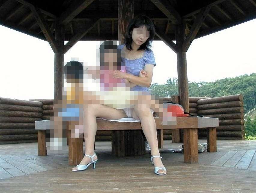 【ママのパンツ30枚】パンチラ画像に関しては子育て中の親が一番エロい【30】
