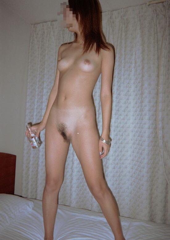 素人 直立 裸 全裸貧乳の立ち姿を拝む直立ヌードのエロ画像 - 性癖エロ画像 ...
